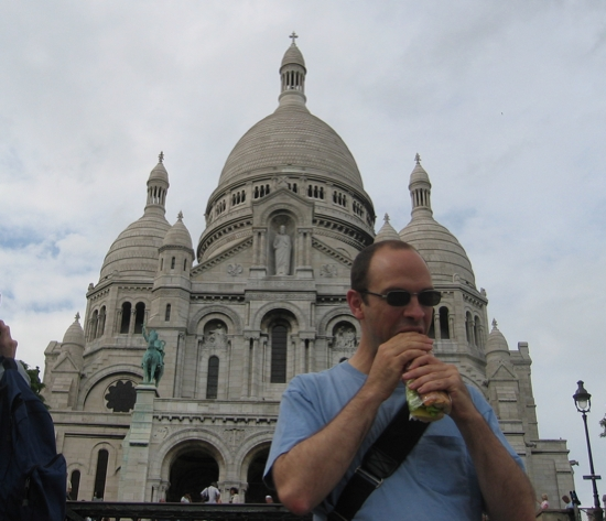 baguette in front of Sacre Coeur